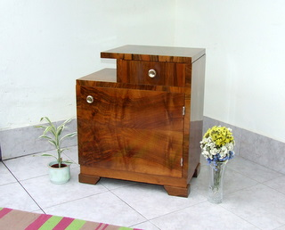 Beautiful walnut veneered bedside cabinet/nightstand or telephone table with vanity drawer.