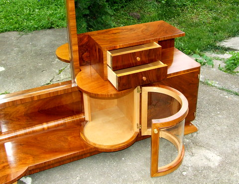 Nice Genuine Art Deco Dressing Table.