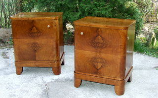 Stylish pair of art deco walnut bedside cabinets. Click here to see more photos and buy now with paypal.
